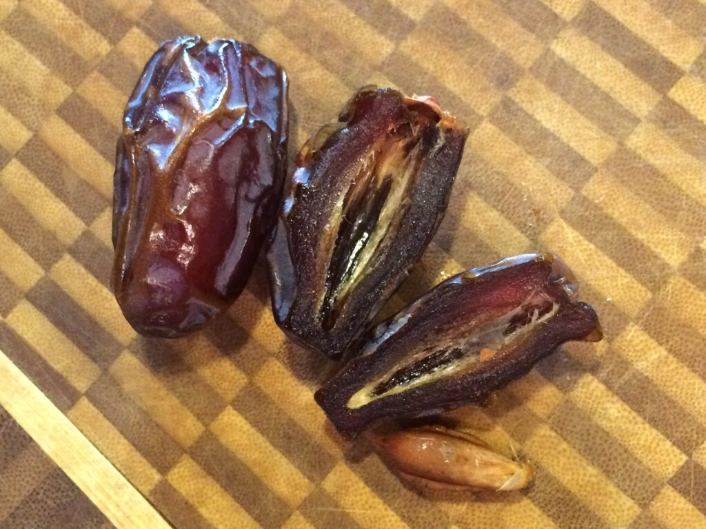 A pic of two dates
